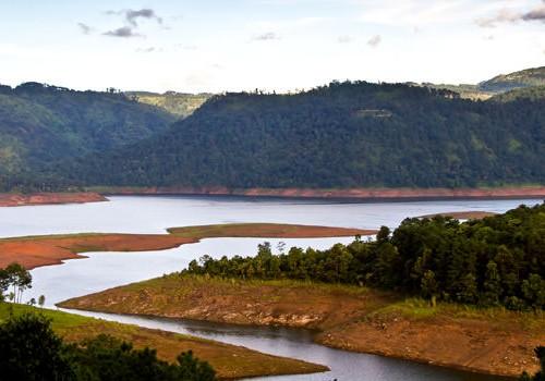A Rainy Honeymoon in Meghalaya Tour Package