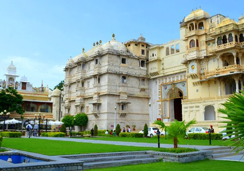 Exciting Rajasthan 10 Nights Romantic Tour Package