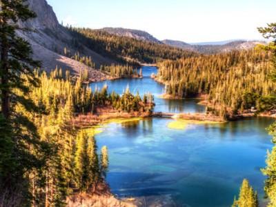Mammoth Lakes Island