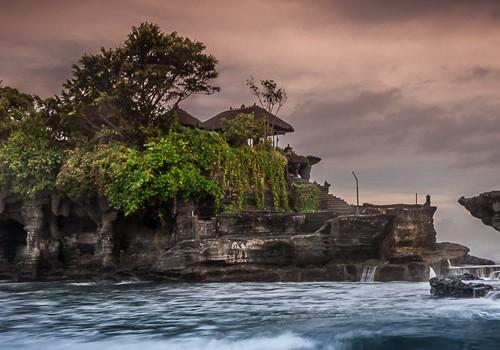 9 Days Jakarta – Bali – Lombok HOneymoon Package