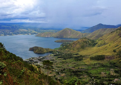 Wonder Lake Toba Sumatra Island Honeymoon Package