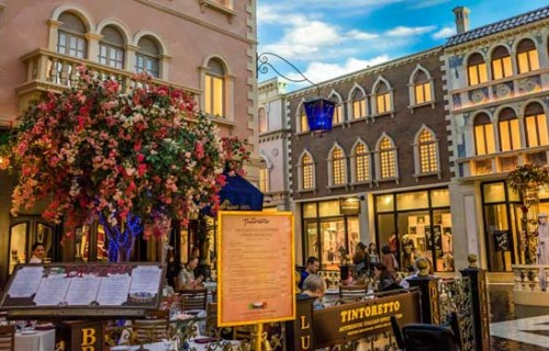 Romantic Things Couples Can Do In Las Vegas