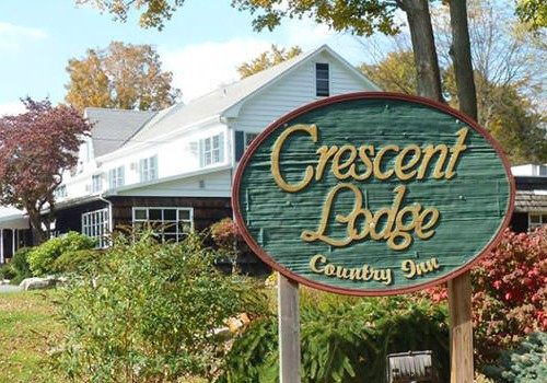 Crescent Lodge & Country Inn Honeymoon Package