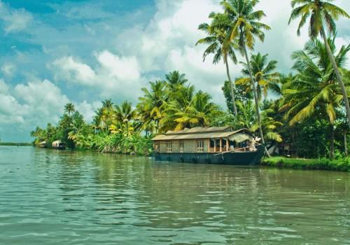 3 Nights Backwaters Kerala Honeymoon Package