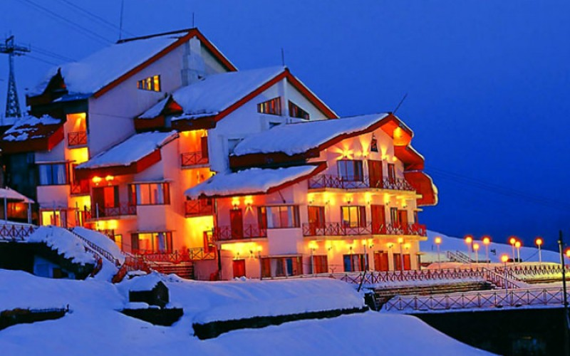 Auli Clliftop Club Resort in Winters