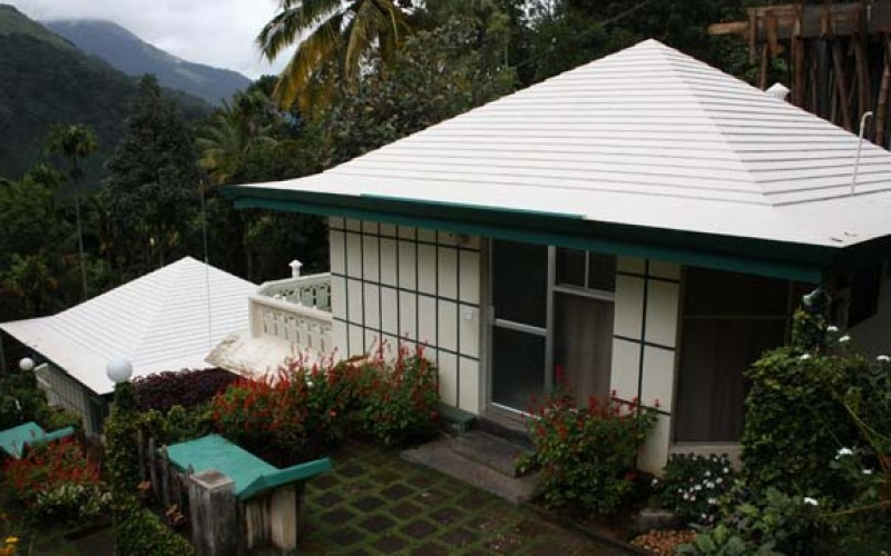 Igloo nature resort munnar online booking of romantic honeymoon packages in igloo nature resort - Serene traditional cottage in natural theme ...