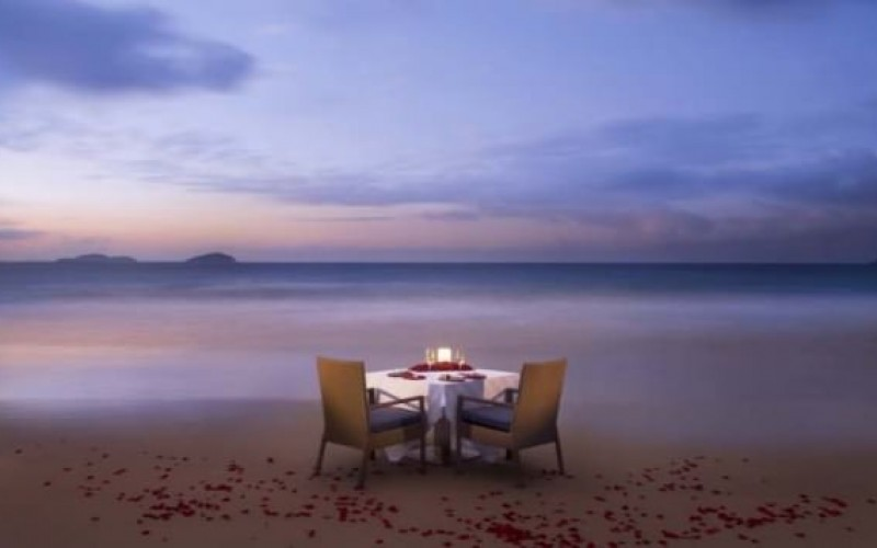 Romantic Beach Side Dinner