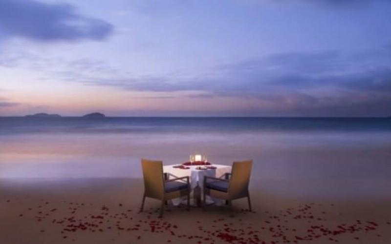 Romantic Beach Side Dinner
