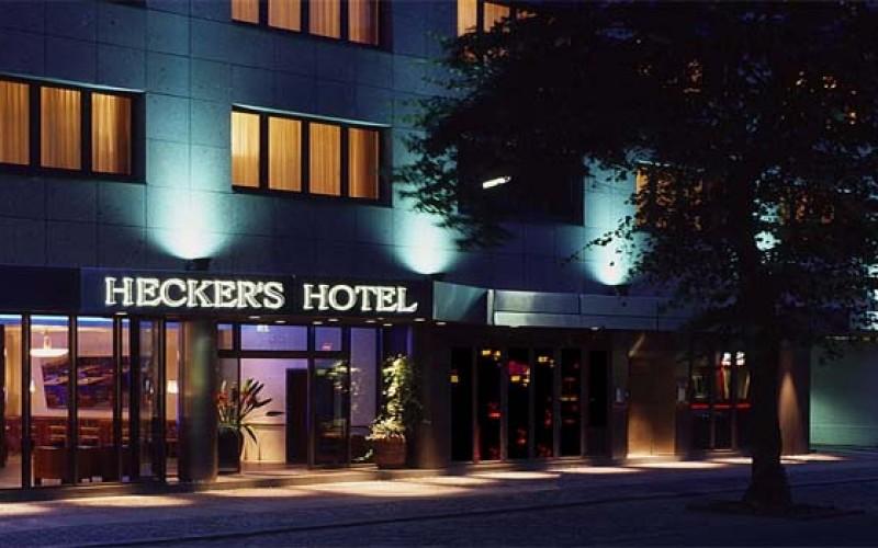 HECKER'S HOTEL
