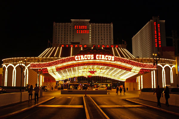Top Budget Hotels For Couples in Las Vegas