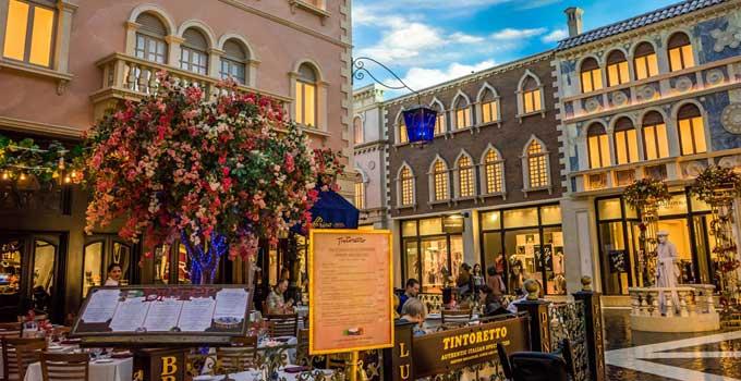 Las-Vegas-Shopping