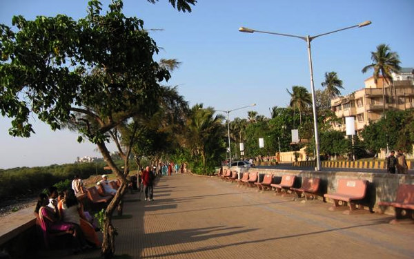 Mumbai Carter Road for romantic getaway