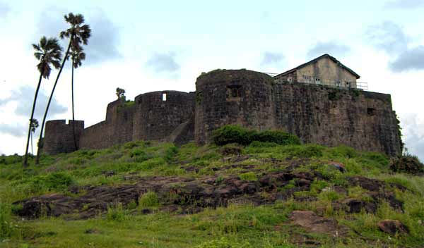Mumbai Madh Fort for Couples