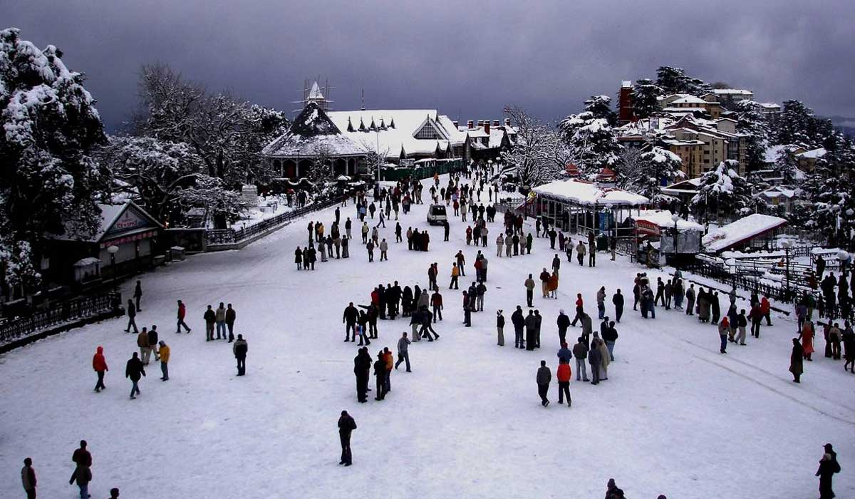 Best Destinations to Watch Snowfall in India This Year