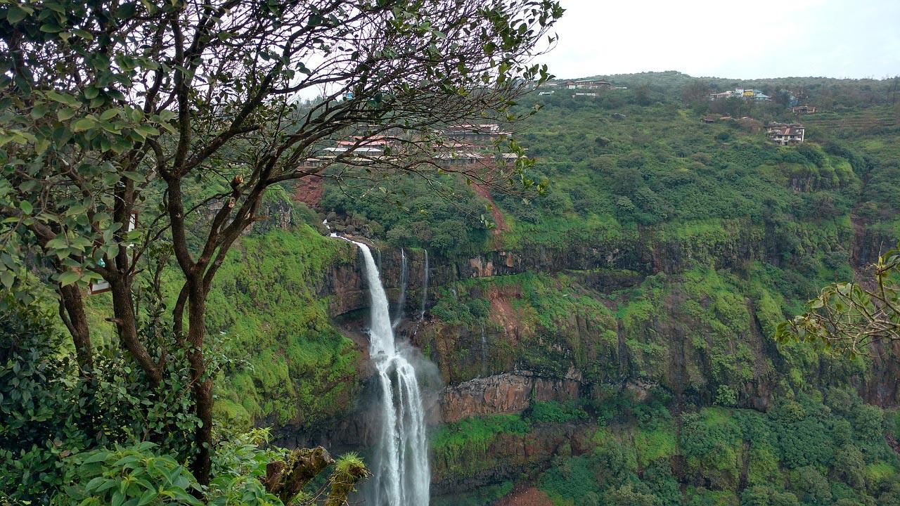 Lingmala Waterfall in Panchgani
